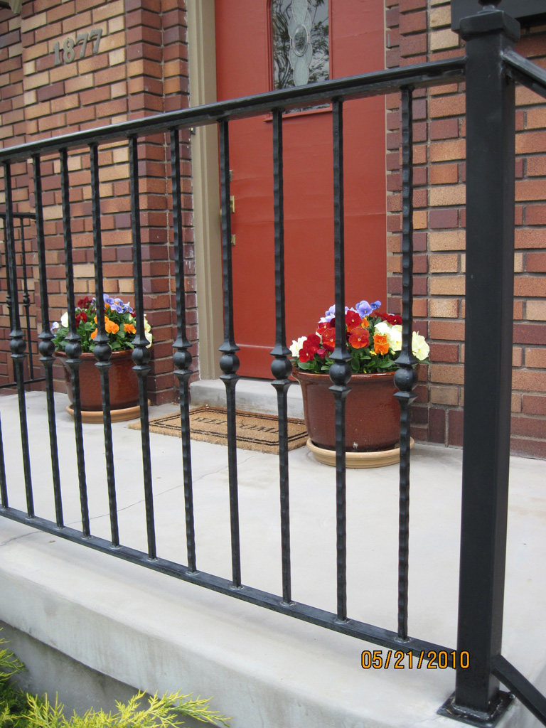 iron-anvil-railing-single-top-collars-4