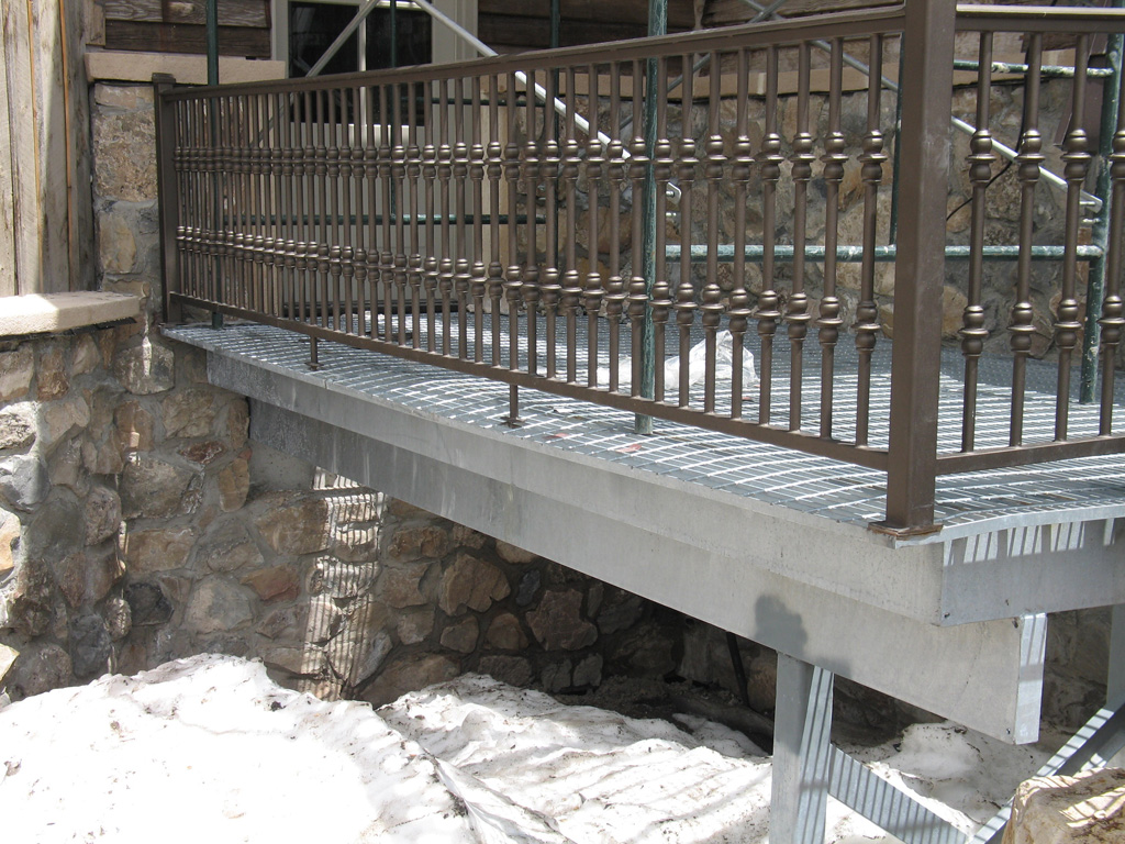 iron-anvil-railing-single-top-collars-wolf-creek-handrail-damage-by-others-1
