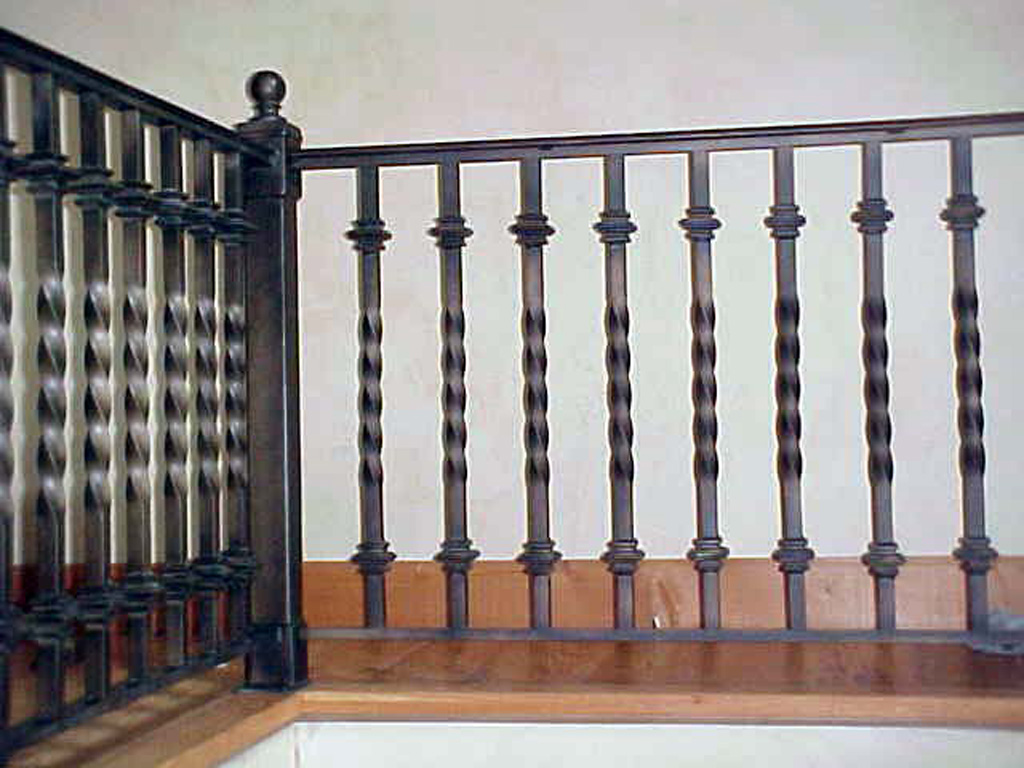 iron-anvil-railing-single-top-collars-wyoming