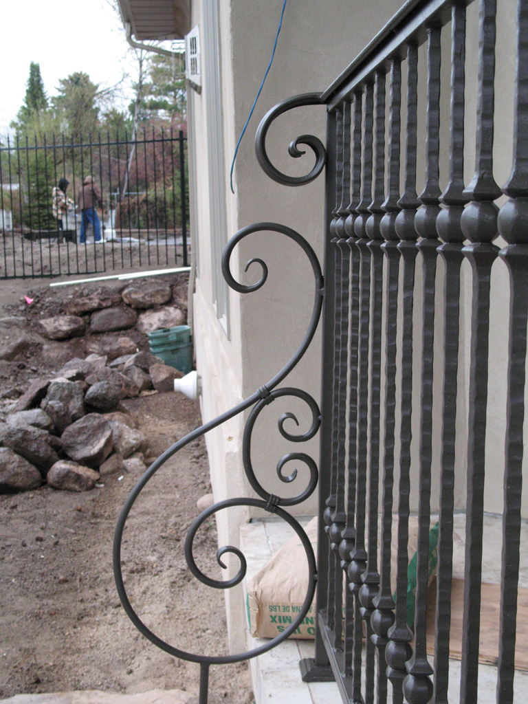 iron-anvil-railing-single-top-collars-zwick-deck-rail-by-others