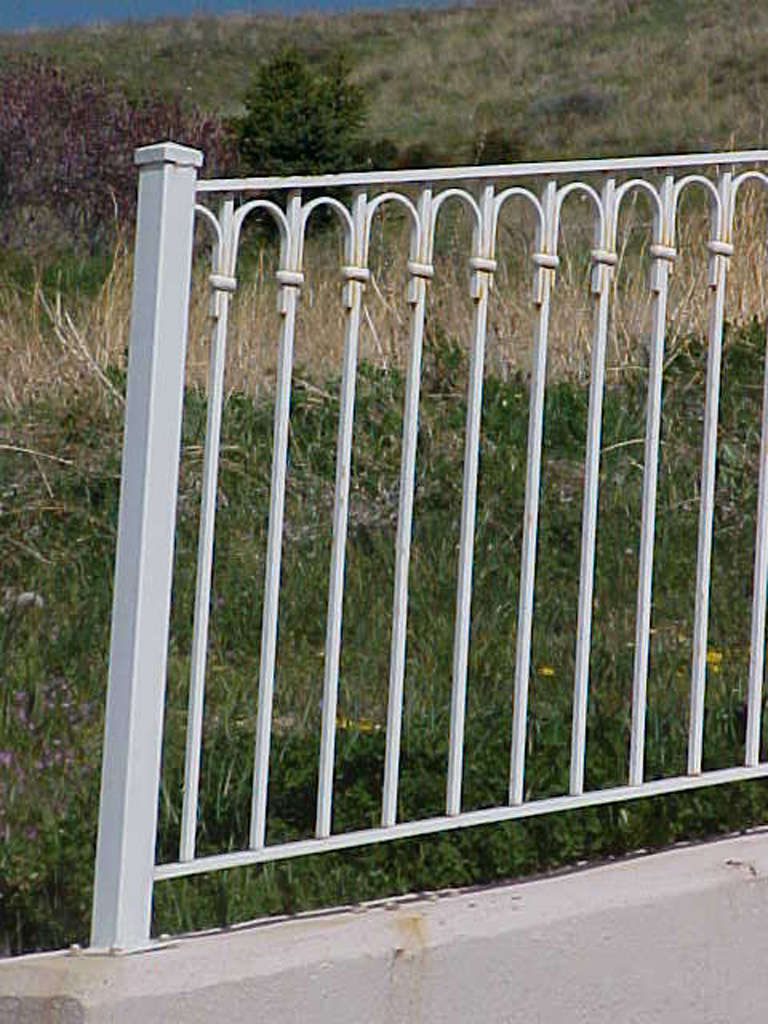 iron-anvil-railing-single-top-loop-retainer-wall-1