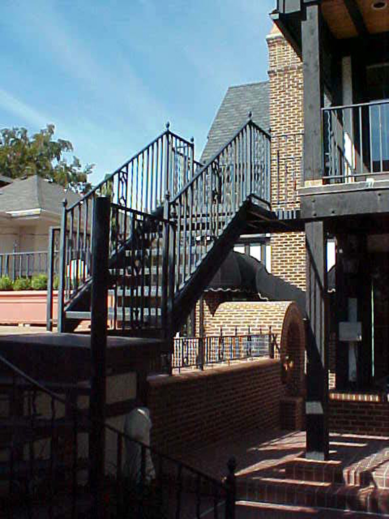 iron-anvil-railing-single-top-misc-rear-stair-on-virgina-street-by-others
