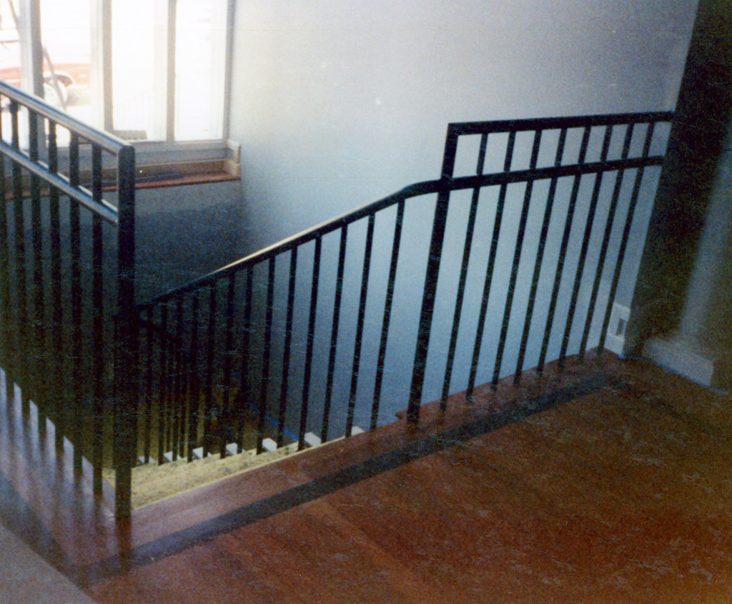 iron-anvil-railing-single-top-simple-floor-mount-10-0906