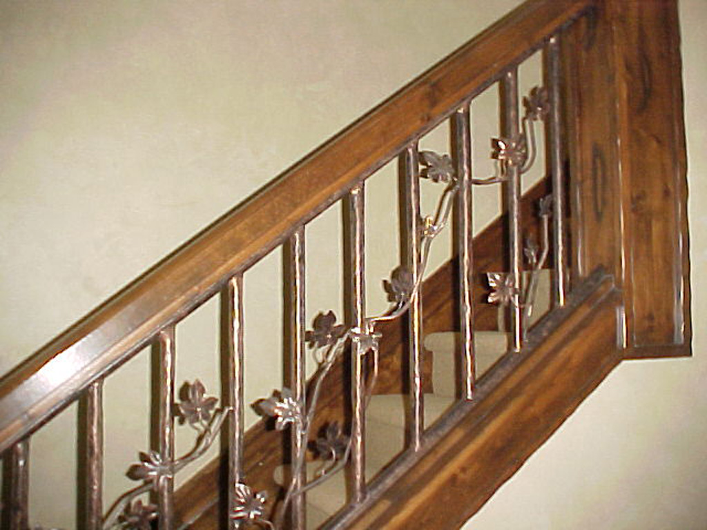 iron-anvil-railing-single-top-twig-yukon-rail-glenwild-interior-rail-2