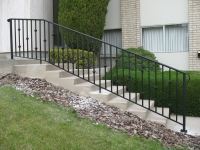 iron-anvil-railing-single-top-collars-avenues-1