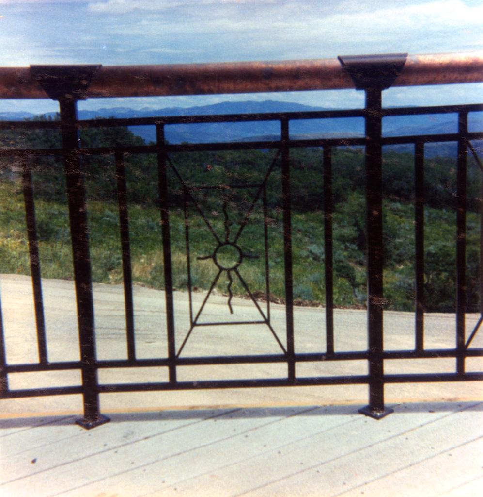iron-anvil-railing-x-pattern-copper-12-1019-christensen-3