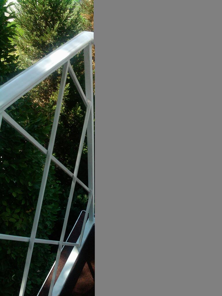 iron-anvil-railing-x-pattern-lattice-little-america-rail-3