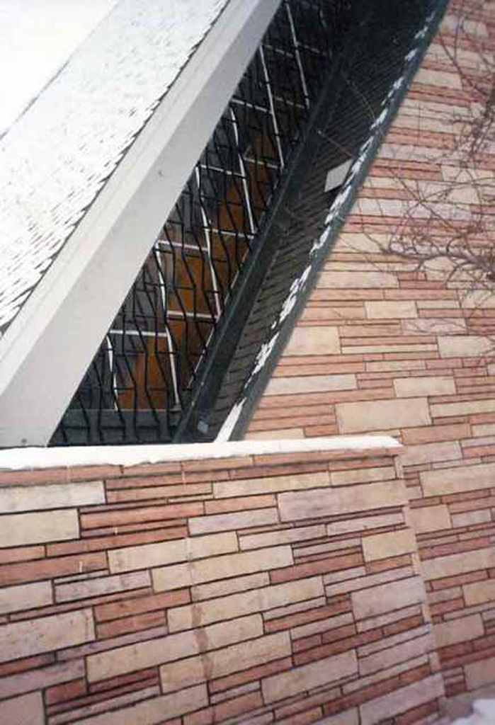 iron-anvil-security-window-guards-zig-zag-church-by-others