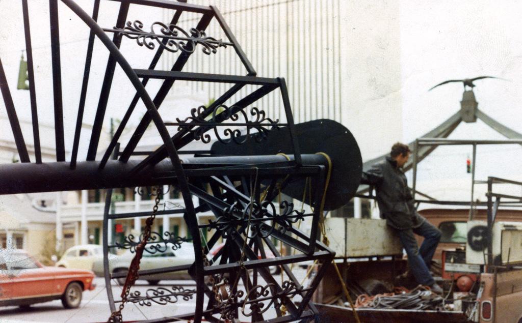 iron-anvil-stairs-spiral-angle-iron-no-tread-6-ft-diameter-xx-xx02-1