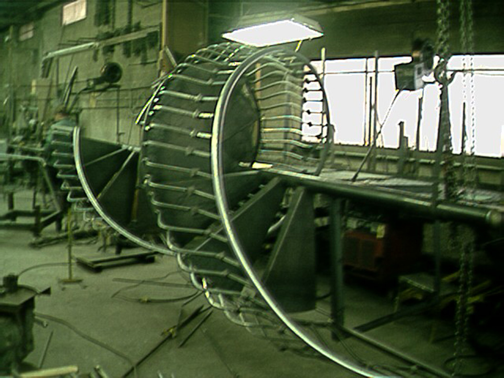 iron-anvil-stairs-spiral-smooth-belly-rail-collars-16