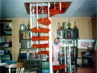 iron-anvil-stairs-spiral-carpet-prior-to-1977