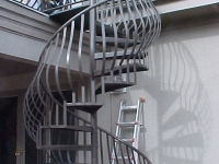 iron-anvil-stairs-spiral-smooth-smith-belly-rail-h1